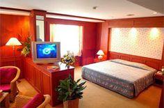 โรงแรม อยุธยาแกรนด์   ห้องพักกว้างขวางสะอาด มีบริการสระว่ายน้ำขนาดใหญ่เหมาะสำหรับคนชอบออกกำลังกาย  http://xn--12cl4bog9bhbebf9iyc4dwgif0r.blogspot.com