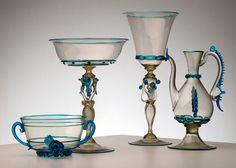 in modo originale ed esclusivo utilizzando materiali di alta qualità Murano Glass, Venetian Glass, Glass Centerpieces, Antique Glassware, Objet D'art, Glass Bottles, Art Nouveau, Glass Art, Candle Holders