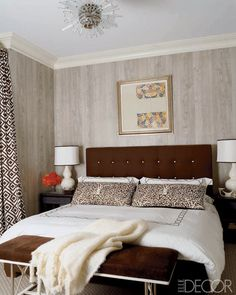 Nice contrasty anchors: the headboard and bench.