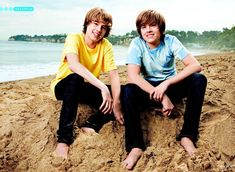 Cole and Dylan Sweet Life On Deck, Old Disney Channel, Zack Y Cody, Dylan And Cole, Wizards Of Waverly Place, Dylan Thomas, Dylan Sprouse, Suite Life, Debby Ryan