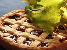 Crostata s kaštanovým krémem Chestnut Cream, Shortcrust Pastry, Tart Pastry, Fruit In Season, Round Cakes, Vanilla Flavoring, Cake Tins, Fall Desserts, Cream Pie