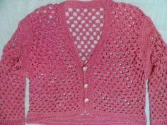 Blusa rosa em crochê. Modelo inspirado na blusa vermelha da Ana Maria Braga programa 01/10/2012 Essa esta confeccionada em linha rosa com brilho Feita sobre medida todas as cores e tamanhos essa é tamanho 44 R$ 179,90
