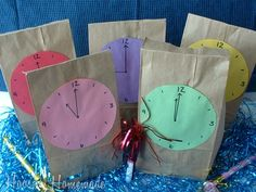 New Year's Eve Countdown Goodie Bags! New Years Eve Countdown Goodie Bags New Years Eve Day, New Years Party, New Years Activities, Craft Activities, New Years With Kids, New Year's Eve Countdown, Pink Und Gold, New Year's Crafts, Family Crafts