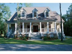 Low Country style 4 bedroom house, lots of porch space