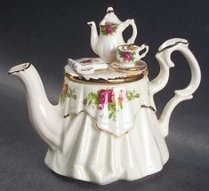Royal Albert Old Country Roses Mini Figurine Teapot & Lid
