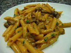 Penne alla boscaiola…z Pasta Recipes, Cooking Recipes, Pasta Dishes, Italian Recipes, Italian Foods, Food And Drink, Pizza, Stuffed Peppers, Pasta Penne