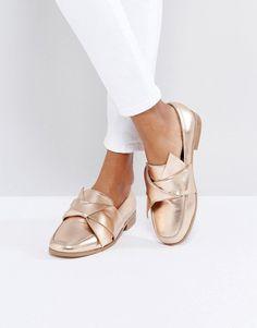 competitive price 4cbe4 4dcfc ASOS MAXIMUM Flat Shoes - Gold Comfy Shoes, Flat Shoes, Women s Shoes,  Brogues