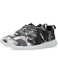 9a6dbde65ef0 NIKE ROSHE RUN ONE CAMO PRINT SUMMIT WHITE DARK GREY 655206 100  169 Shoes  Outlet