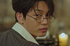 Yoo Ah-In in Chicago Typewriter! Sungkyunkwan Scandal, Korean Drama Series, Chicago, Disney Phone Wallpaper, Yoo Ah In, Kdrama Memes, Dramas, Cute Actors, Secret Love