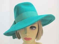 Fedora Hat  1960-70s/ Christmas Green wool by VintageWearTreasures