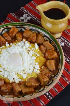 Tochitura dobrogeana - CAIETUL CU RETETE Fish And Eggs Recipe, Georgian Food, Eastern European Recipes, Israeli Food, Good Food, Yummy Food, Australian Food, Romanian Food, Cooking Recipes