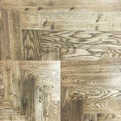 Quanto può diventare unico un pavimento grazie ad uno schema di posa diversa dal comune? #pavimentiinlegno #design #legno Abstract, Artwork, Painting, Design, Summary, Work Of Art, Auguste Rodin Artwork, Painting Art