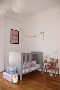 "guirlande"" Clouds Eclair"" de Mi-avril, chez Cécile - Paper Plane Home - Kids Room   Quarto criança"