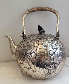 Antique Japanese Silver Teapot with Floral Foliate Design & Copper Butterfly Finial on Lid Vintage Silver, Antique Silver, Jugendstil Design, Vibeke Design, Silver Teapot, Bronze, Teapots And Cups, Tea Art, Tea Service