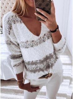 Print Chunky knit V neck Sweaters - VeryVoga VERYVOGA Print Chunky knit V neck Sweaters Always wanted to discover how to knit, but unsure where do you start? Cute Sweaters For Fall, Casual Sweaters, Sweaters For Women, Fall Fashion Outfits, Autumn Fashion, Fashion Dresses, Womens Fashion Online, Latest Fashion For Women, Robes Midi