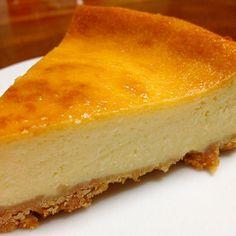 しっとりで濃厚なチーズケーキです 材料を混ぜるだけなので、めっちゃ簡単に作れました✨ - 104件のもぐもぐ - ベイクドチーズケーキ by exileaiko