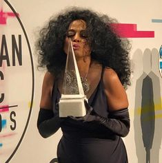 Diana Ross - American Music Award Tina Turner Concert, Diana Ross, American Music Awards, Classy Women, Call Her, Diva, Boss, Singer, Pam Grier