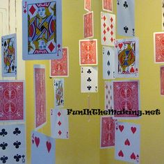Alice in Wonderland party decor: use playing cards for party garland Lila Party, Alice Tea Party, 80s Party, Mad Hatter Party, Mad Hatter Tea, Mad Hatter Birthday Party, Mad Hatter Wedding, Madd Hatter, Tea Party Decorations