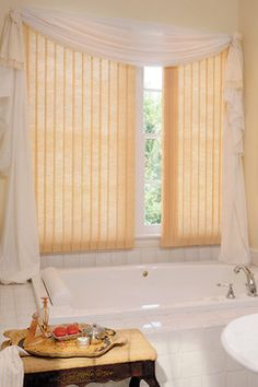 Bathroom Ideas #Hunter_Douglas #Bathroom #Bathroom_Ideas #Window_Treatments #HunterDouglas