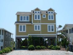 Holden Beach, NC - Sand 'n Surf 923 a 4 Bedroom Oceanfront Rental House in Holden Beach, part of the Brunswick Beaches of North Carolina. Includes Private Pool, Hi-Speed Internet
