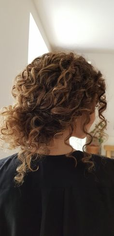 Curly Hair updo for the wedding of my sister- Thanks Nicole Drege