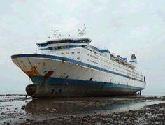 Abandoned Ships, Abandoned Cars, Abandoned Places, Tiny Boat, Ship Breaking, Shark Tale, Old Sailing Ships, Ghost Ship, Seafarer