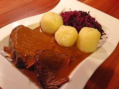 Rinderbraten, ganz einfach Roast beef, quite simply, a good recipe from the beef category. Pork Recipes, Slow Cooker Recipes, Baking Recipes, Russian Dishes, Russian Recipes, Carne Asada, Slow Cooking, Unique Recipes, Great Recipes