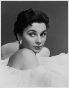 Jean SIMMONS (1929-2010) * AFI Top Actress nominee. Notable Films: Elmer Gantry (1960); Great Expectations (1946); Black Narcissus (1947); Hamlet (1948); Angel Face (1952); The Robe (1953); The Egyptian (1954); Desiree (1954); Guys and Dolls (1955); The Big Country (1958); The Grass is Greener (1960); Spartacus (1960); The Happy Ending (1969)