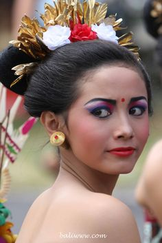 Oh Beautiful, Beautiful Asian Women, Village People, Surf, Beauty Around The World, Indian Heritage, Model Face, Art Festival, Beauty Women