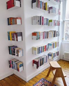 Create the best #bookcase with TEEbooks floating shelves! The very heart of #book fans can be found by the way they manage their volumes. Book readers practice their possession with maximum care because books are not a printed unit for them, they are the solution to a complex world of creativity. Credits: @mclellanhayley Floating Bookshelves, Wall Bookshelves, Bookshelf Design, Wall Shelves, Bookcases, Tiny Apartment Living, Contemporary Shelving, Interior Styling, Interior Design