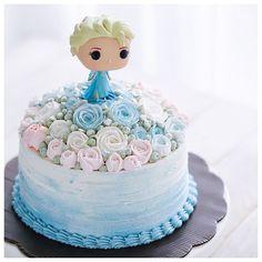 Buttercream Roses Frozen Cake