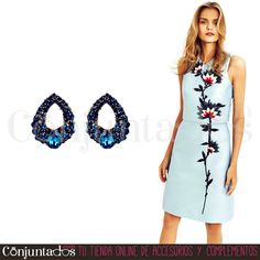 Los #pendientes Aida son pequeñitos y muy elegantes, perfectos para tu vestuario de bodas y eventos festivos similares ★ 12,95 € en http://www.conjuntados.com/es/pendientes/pendientes-cortos/pendientes-aida-con-strass-azul.html ★ #novedades #earrings #conjuntados #conjuntada #joyitas #lowcost #jewelry #bisutería #bijoux #accesorios #complementos #moda #fashion #fashionadicct #picoftheday #outfit #estilo #style #GustosParaTodas #ParaTodosLosGustos