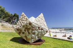 Andrea Vinkovic, Seed, Sculpture by the Sea, Cottesloe 2018. Photo Jessica Wyld   https://sculpturebythesea.com/cottesloe/cottesloe-gallery/
