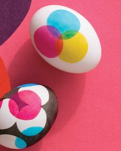 Three overlapping dots stenciled onto eggs beget a batch of new hues.