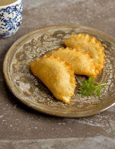 Receta Empanaditas de Yuca o Cativías: deliciosas, crujientes y libres de gluten, son una variación de las empanaditas tradicionales se preparan con yuca.