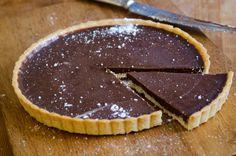 Crostata al cioccolato fondente e mandorle