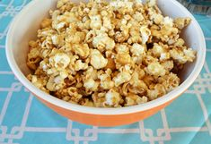 Soft Homemade Caramel Corn How to make the best soft caramel corn recipe. Easy homemade caramel corn made with only a few ingredients. The absolutely perfect salted caramel popcorn. Baking Recipes, Snack Recipes, Caramel Corn Recipes, Few Ingredients, Snacks, Cinnamon Rolls, Macaroni And Cheese, Treats, Homemade
