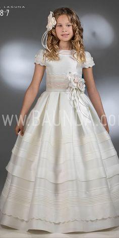 Communion dress silk Hannibal Laguna 2018 model in Madrid Elegant Prom Dresses, Wedding Dresses For Girls, Lovely Dresses, Flower Dresses, Girls Dresses, Dinner Gowns, Temple Dress, Holy Communion Dresses, Dress Anak