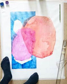 The following steps So geht es weiter.. #geometrical #abstraction #watercolour #abstractart #watercolorpainting #Aquarell #acuarela #primarycolors #lyersofcolor #superposition #Bauhaus #abstractart #contemporaryart #Meditation #fragmentation #fragmentación #mintedartist #artiststudio #artcollector #Frankfurt #catilustre