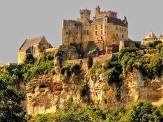 Castillo de #Beynac comuna #Beynac-et-Cazenac departamento de #Dordoña más concretamente en #Périgord negro #Francia