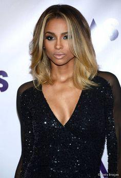Ciara é reconhecida por ser uma das principais referências de cabelo loiro em pele escura