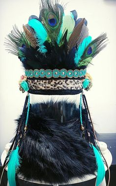 Hoofdtooien   JOOLSZ Candy Costumes, Diy Costumes, Halloween Costumes, Feather Headdress, Headpiece, Fascinator, Toy Story, Mardi Gras Outfits, Burning Man Fashion