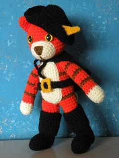 PDF - Puss in boots - 11 inches / 28 cm amigurumi doll crochet pattern. $5.50, via Etsy.