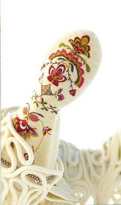 gorgeous embroidered mittens