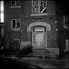 Complete list of insane asylums and history in America. Before 1844, the mentally ill were stashed away in prisons and the basements of public buildings. But in the middle of the 19th century, reformers like Dorothea Dix pushed to improve the standing of those with serious mental illness, an effort that led to the construction of sprawling psychiatric hospitals. Click picture to see ebook.