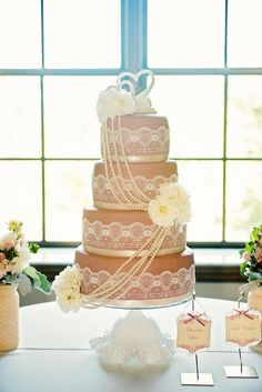 Vintage-Inspired Neutral, Lace Wedding Cake | Photo: Blue Elephant Photography | Cake: Rosebeary Designs in Baking |