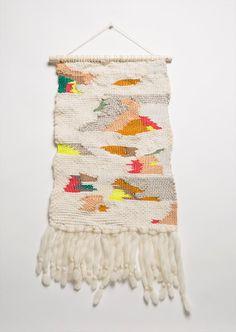 DIY weaving inspiration // Desert Morning, x Weaving by MINNA (Sara Berks) Weaving Textiles, Weaving Art, Loom Weaving, Tapestry Weaving, Hanging Tapestry, Weaving Wall Hanging, Wall Hangings, Weaving Projects, Tear