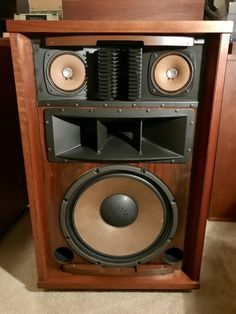 Pro Audio Speakers, Audiophile Speakers, Monitor Speakers, Forever Memories, Speaker Box Design, Sounds Good To Me, Audio Room, Loudspeaker, Audio Equipment