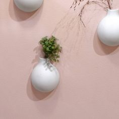 Small vase to hang on your wall /// Mat white porcelain /// A very subtle wall decoration /// Original design
