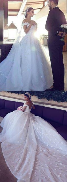 Stylish Off Shoulder Court Train Organza Wedding Dress